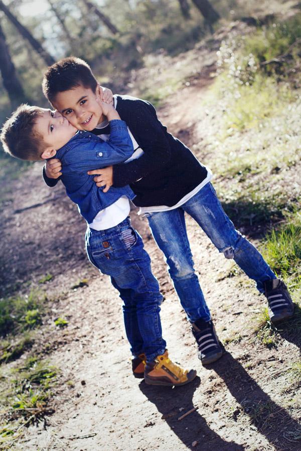 A & M - Fotografía de niños hermanos - Fotos Comunión & Bautizo